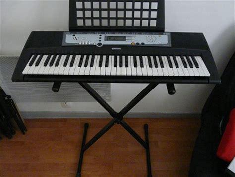 Keyboard Yamaha E213 yamaha psr e213 image 213164 audiofanzine