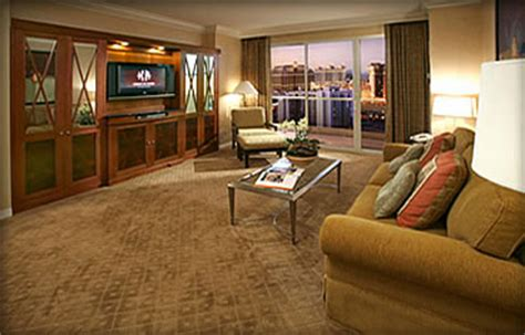 mgm signature 2 bedroom suite the signature at mgm grand hotel las vegas hotels las vegas direct