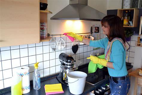 wohnung putzen putzen im haushalt anleitungen putzplan und tipps einer