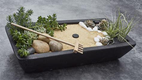mini jardin zen 1001 id 233 es jardin japonais miniature un concentr 233 du