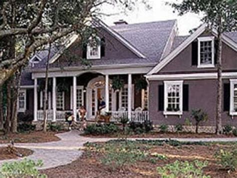 70 s southern style home plans southern style house plan colonial revival homes colonial homes with columns