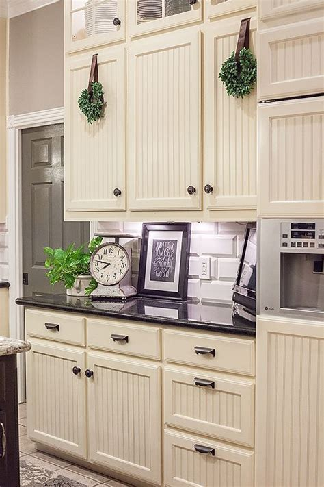 Redo Old Kitchen Cabinets by Best 25 Bead Board Cabinets Ideas On Pinterest