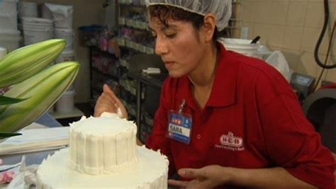 Grocery Store Wedding Cakes by Grocery Store Wedding Cake Deals The Live Well Network