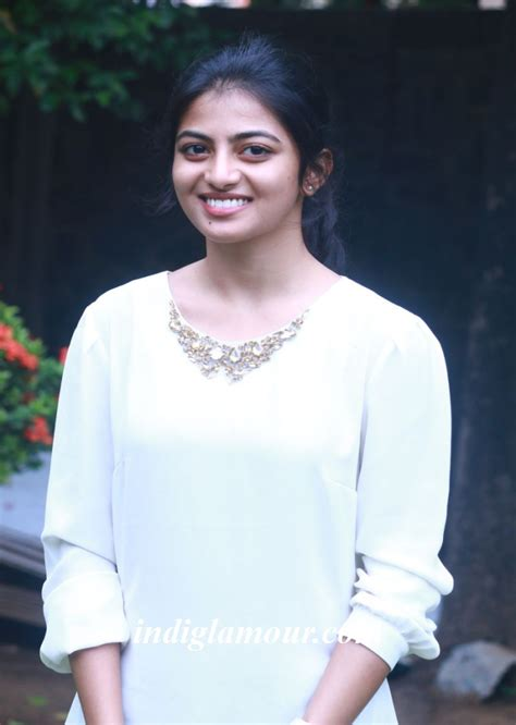 actress anandhi photo gallery anandhi actress photos latest gallery pics images