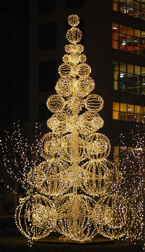 large outdoor christmas tree displays in mn best 25 commercial decorations ideas on winter porch decorations outdoor
