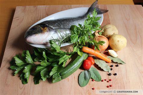 pesce su letto di patate orata in bellavista su letto di patate e crema di piselli