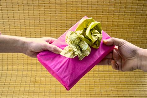 traditional housewarming gifts 100 traditional housewarming gifts the best