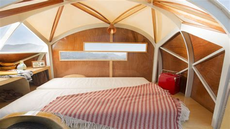Hutte Hut Trailer by The Tiny H 252 Tte Hut Is A Wonderful Wooden Teardrop Cer