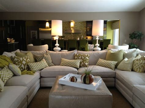 How To Decorate Living Room With Sectional Sofa Family Room Sectional White Sofa White Accessories