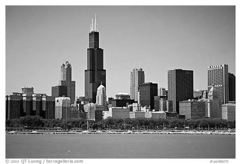 cityscape wallpaper in black and white by lutece chicago skyline black and white wallpaper www imgkid com