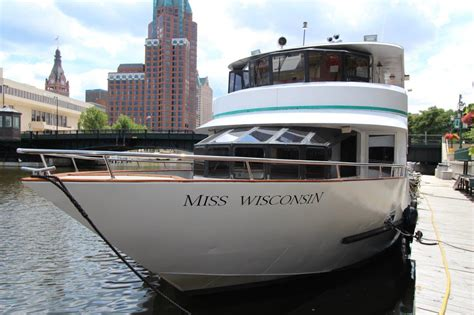 milwaukee boat tours edelweiss edelweiss boat tours edelweiss cruises milwaukee