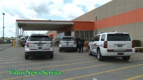 customer injured in attempt to stop larceny in home depot