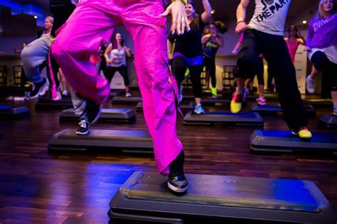 zumba steps by step zumba step tanzhaus h 246 per tanzen bewegen entspannen