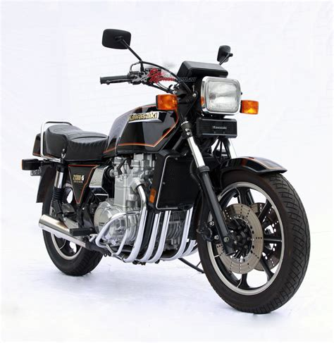 Honda Dream by Classic Collectable Kawasaki Z1300 Six Bike Review