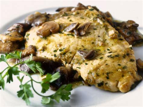 come si cucina il pesce spada a fette ricetta pesce spada con funghi e limone donna moderna