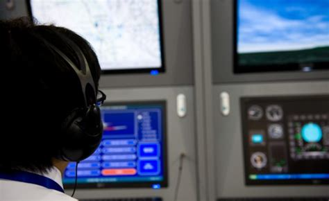 how to become an air traffic controller 2017 how2become