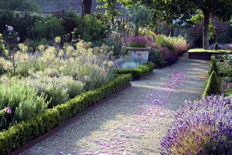 The Walled Garden At Cowdray The Walled Gardens