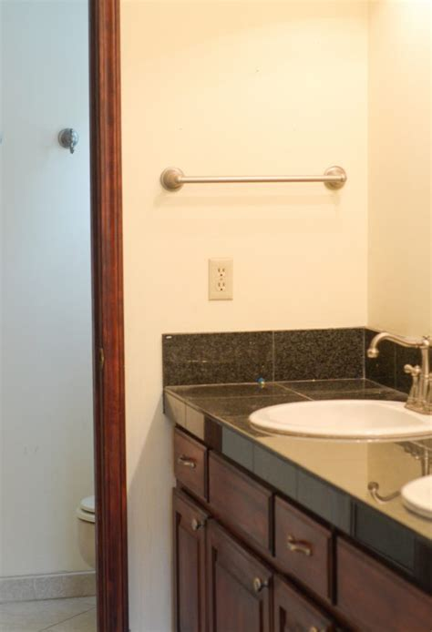 updating a bathroom on a budget 5 ways to update a bathroom on a budget mommy hates cooking