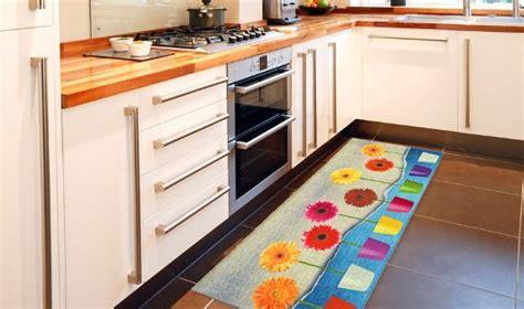 tappeti per cucina moderni tappeti per arredare la cucina www webtappetiblog it