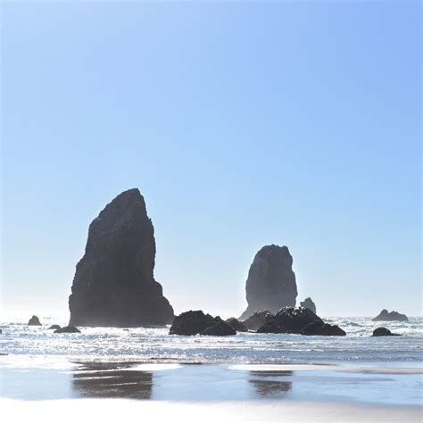 Oregon Coast Rock Formations by Traveling Julie   dsktps