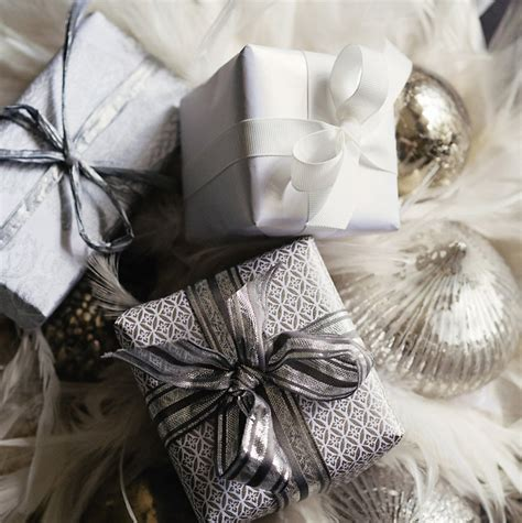 pretty gifts christmas packaging ideas in white and grey 79 ideas