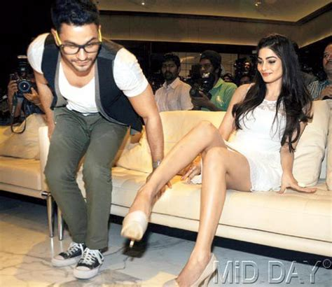 oops moments  bollywood check  embarrassing