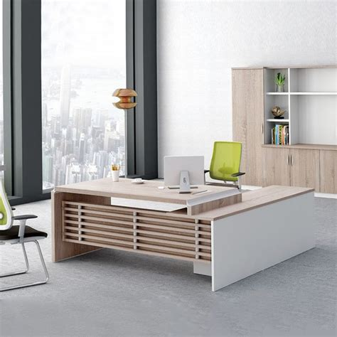 modern desk design best 25 executive office desk ideas on