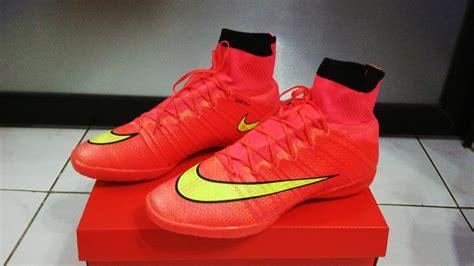 Sepatu Bola Nike Mercurial Superfly Iv Black Orange Fg Replika Impor harga sepatu nike mercurial superfly cr7 for sale