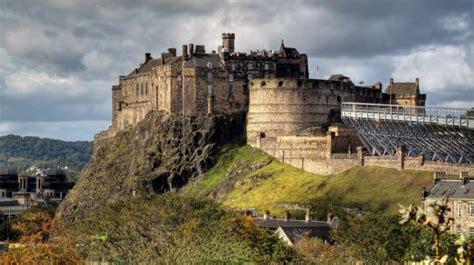 edinburgh castle  story   magnificent  historic