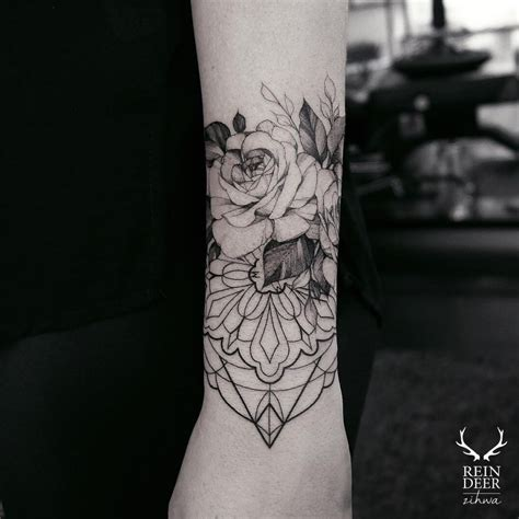 tattoo flower geometric 24 breathtaking flower tattoos by zihwa tattoomagz