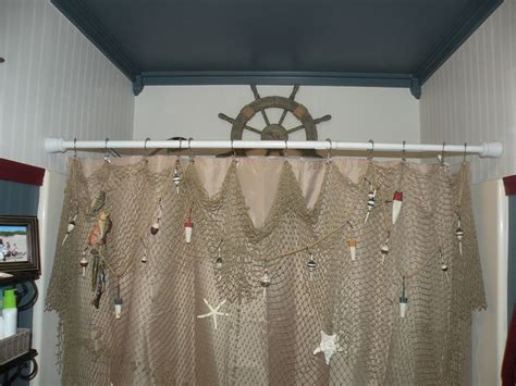 Fish Net Decoration Ideas by I Hung A Decorative Fishing Net With Wooden Fish And Real