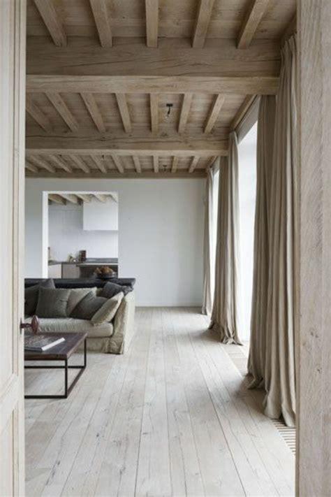 Supérieur Parquet Salon Salle A Manger #2: salon-parquet-chene-massif-clair-plafond-en-bois-clair-murs-blancs-meubles-salon-1.jpg