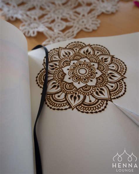 thigh mandla henna tattoo divine henna pinterest henna pinterest nataliemidw6016 henna pinterest