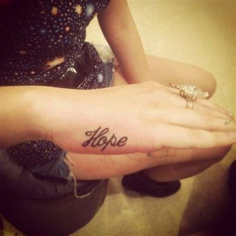 17 hope tattoos for fingers