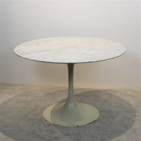 Eero Saarinen Marble Top Dining Table For Sale Tulip Dining Table With Marble Top By Eero Saarinen For