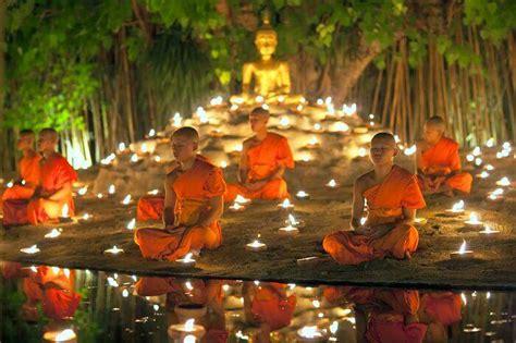 festivals  cambodia  peek   rich culture