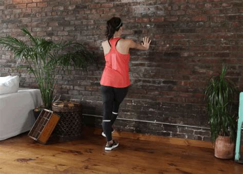 swing your arms from side to side 16 warm up you should do before every workout