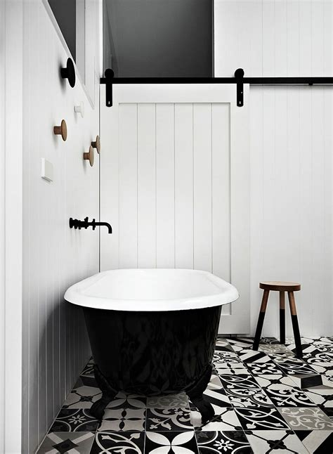 bathtub melbourne striking edwardian home in melbourne gets a space