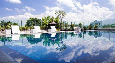 15 Hotel di Bandung dengan Kolam Renang Cantik, Tarif