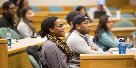 Dartmouth College Tuck Mba Fees by Tuck School Of Business At Dartmouth College