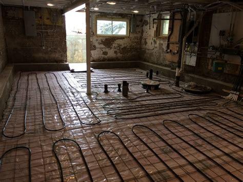 Basement Floor Prep ? Plastic, Mesh, and PEX   Two Flat