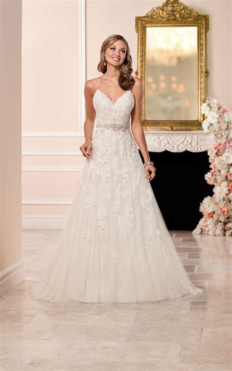 wedding dress   neckline stella york