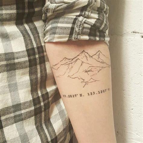 simple tattoo summit usj 1000 ideas about small mountain tattoo on pinterest
