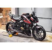 Bajaj Pulsar NS200 Modified To Look Like A Kawasaki Z1000
