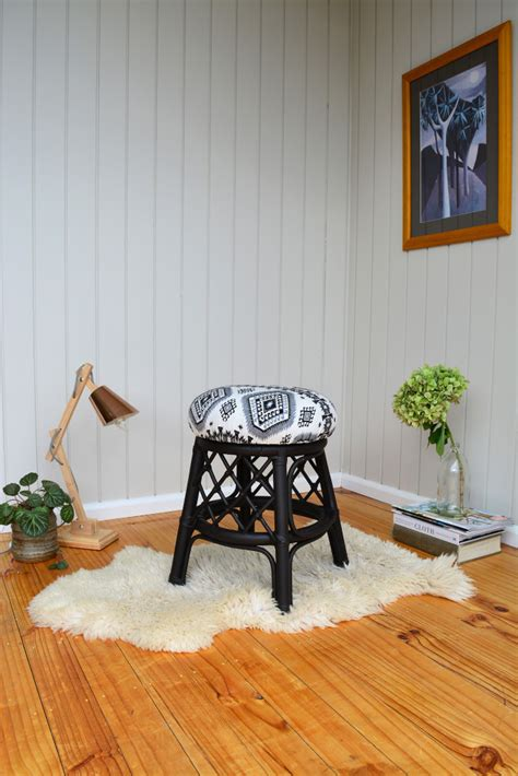 Easy Way To Reupholster A by Diy How To Reupholster A Stool The Easy Way