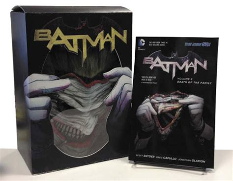 Batman Death Of The Family Book Amp Joker Mask Set