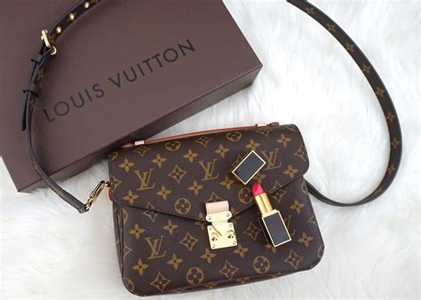 Tas Louis Vuitton Metis Mono Preloved s guide to style august 2015