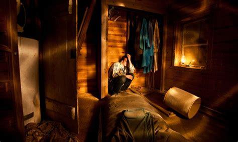 escape the room room 4 room escape bustout live escape room groupon