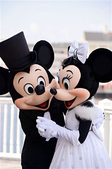 Boneka Micky Minnie Mouse disney characters picmia