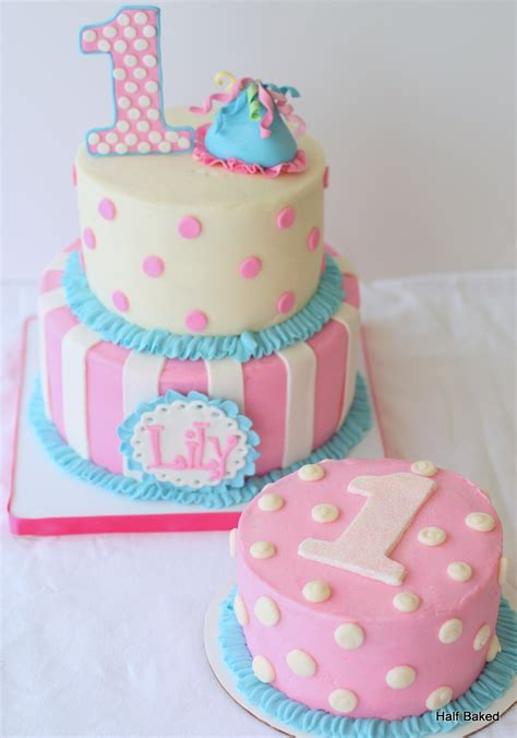 First Birthday Cake Made To Match The Outfit Of The Party Girl Cake Is Buttercream With Fondant